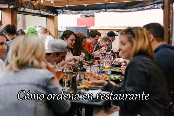 レストランで使える予約・注文・会計のスペイン語のフレーズ