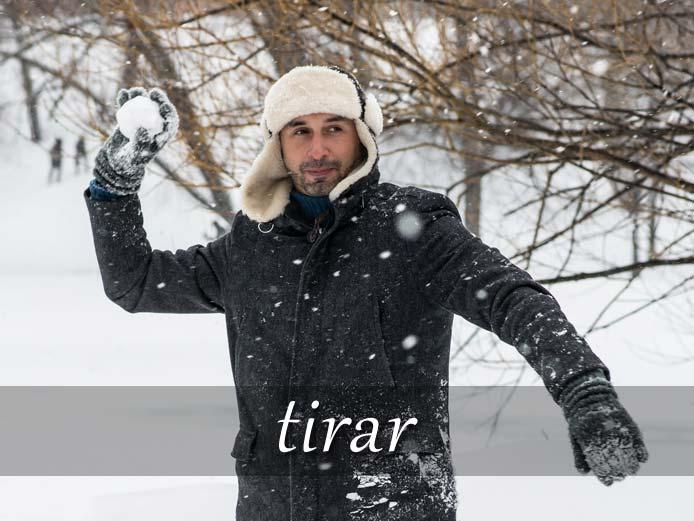 スペイン語の動詞 tirar「投げる、捨てる、引く」の活用と意味【例文あり】