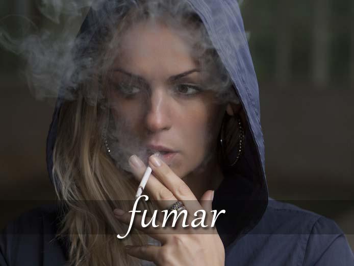 スペイン語の動詞 fumar「たばこを吸う」の活用と意味【例文あり】