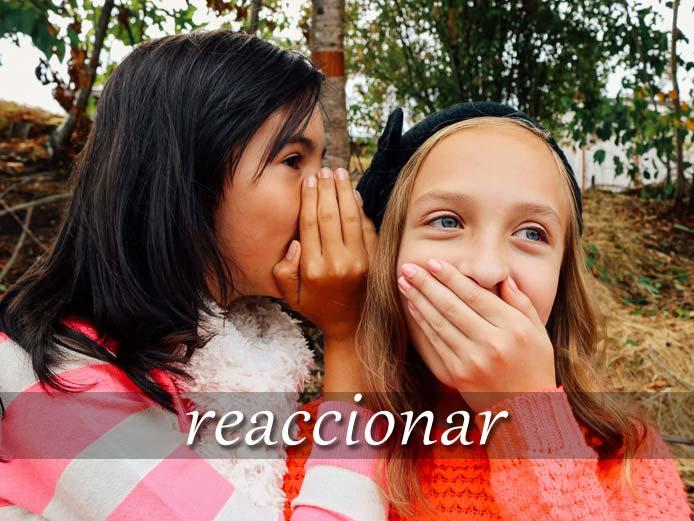 スペイン語の動詞 reaccionar「反応する、反発する」の活用と意味【例文あり】