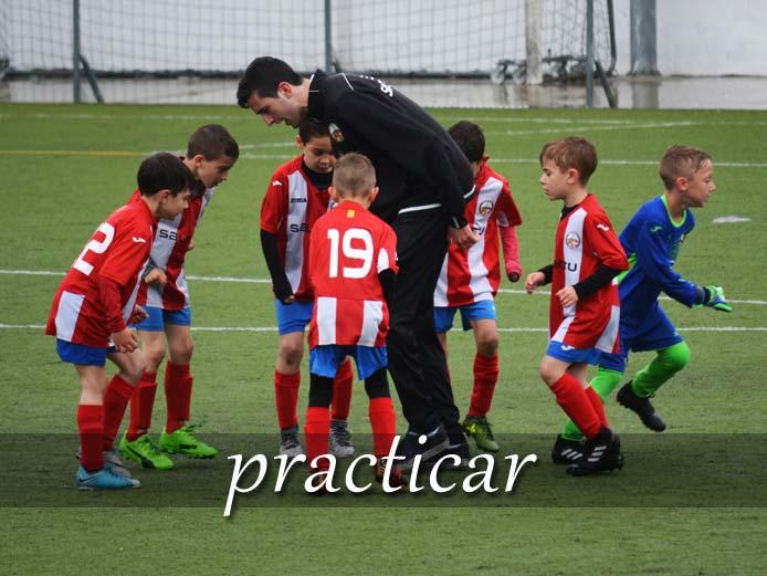 スペイン語の動詞 practicar「する、実行する」の活用と意味【例文あり】